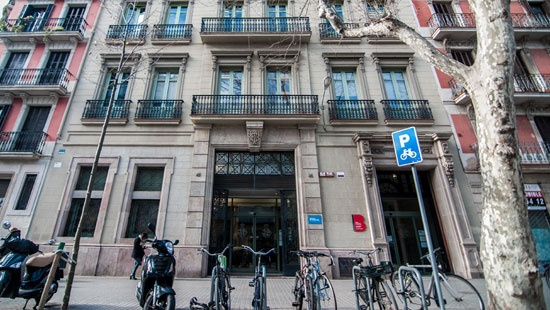 Edificio de la Junta Arbitral de Consumo de Barcelona, en la Ronda de Sant Pau, 43-45, 2ª planta.